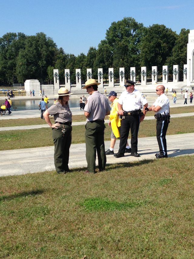 WWII Memorial Govt Shutdown, Officers Perplexed - What Shall We Do