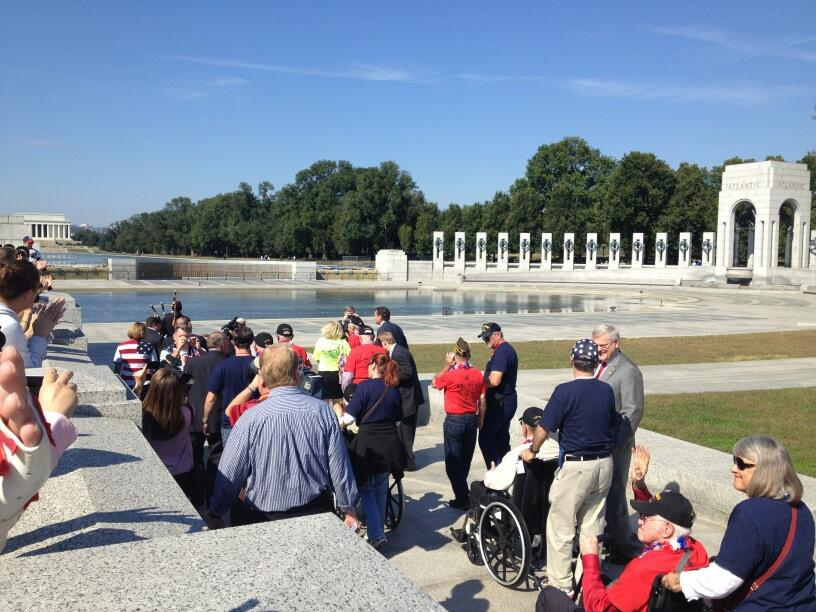 WWII Memorial Govt Shutdown Veterans Coming In