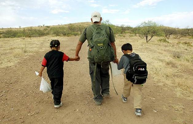 Illegal Kids Cross US Border