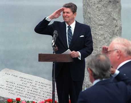 Ronald_Reagan_salutes_on_40th_anniversary_of_D-Day