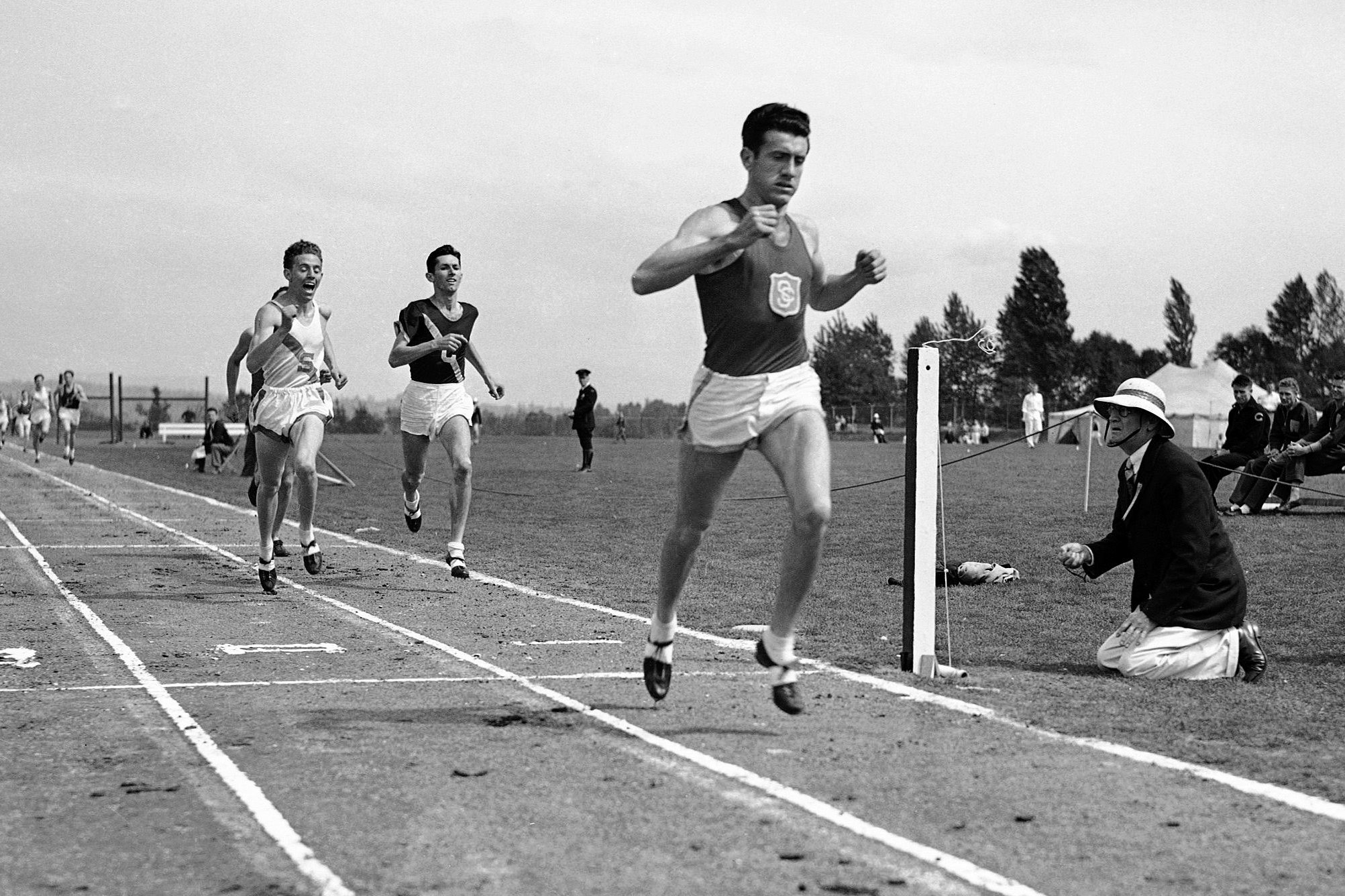 Louis Zamperini Wins the Mile in Seattle, 1939