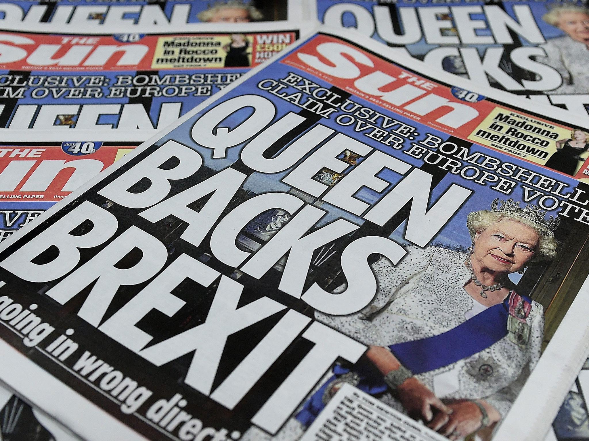 Brexit Queen Backs