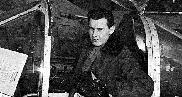 bob-hoover-young-pilot