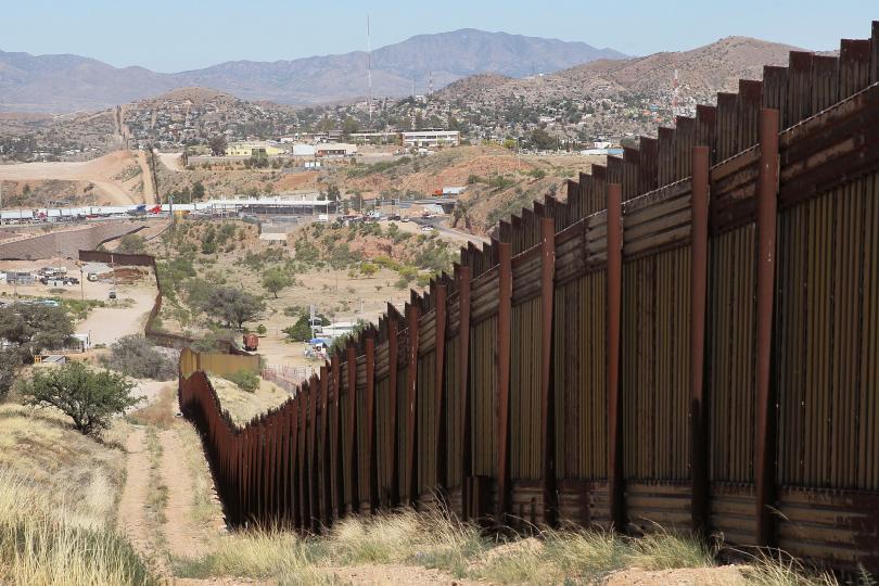 Wall Around Obama House Bloviating Zeppelin